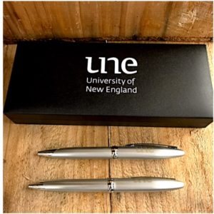 UNE Boxed Pen Set